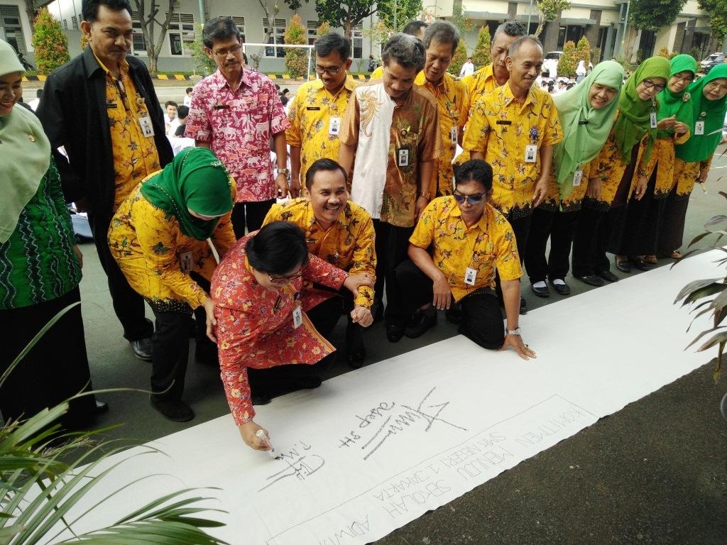 Pengawas SMK Jakarta Pusat Ibu Marbingah