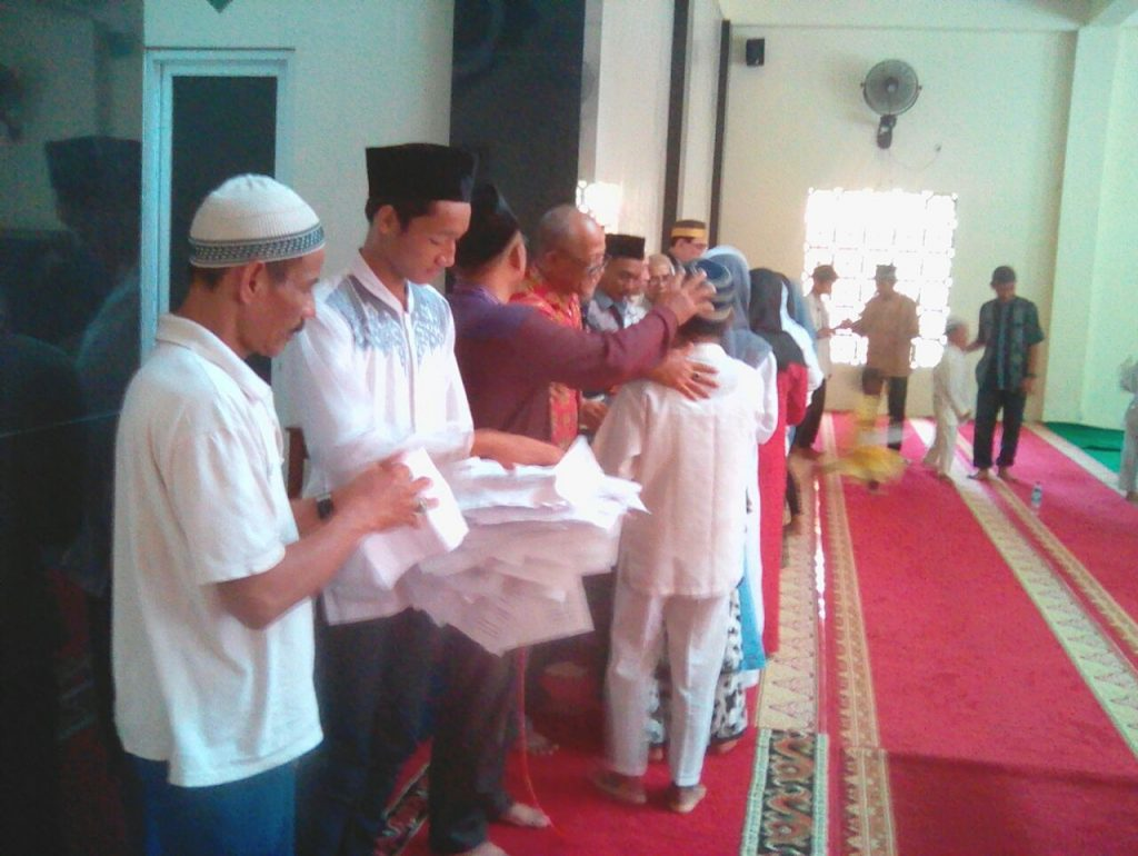 Pemberian santunan oleh alumni STMN / SMKN 1 JAKARTA