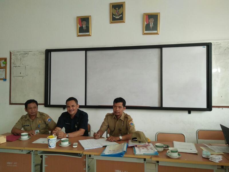 Kasudin Kasi Dikmen Bpk. Sularno Dan Kasatlak Pendidikan Kec.Sawah Besar Bpk. Fakhrul Alam